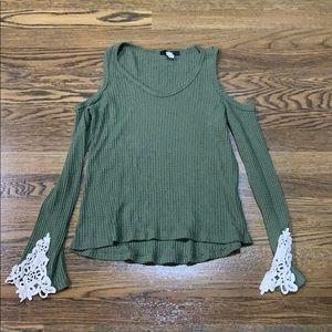Green open shoulder long sleeve blouse